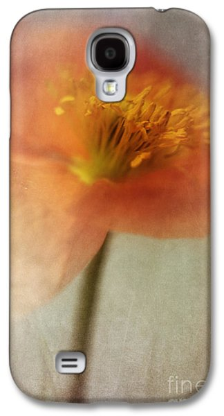 Soulful Poppy Galaxy S4 Case by Priska Wettstein
