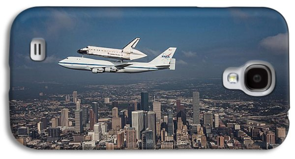 Business Galaxy S4 Cases - Space Shuttle Endeavour Over Houston Texas Galaxy S4 Case by Movie Poster Prints