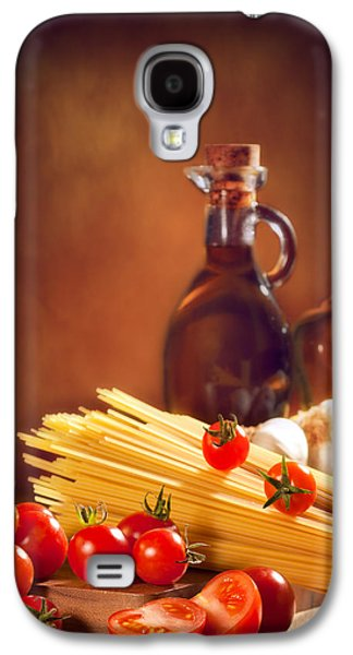 Spaghetti Pasta With Tomatoes And Garlic Galaxy S4 Case by Amanda Elwell