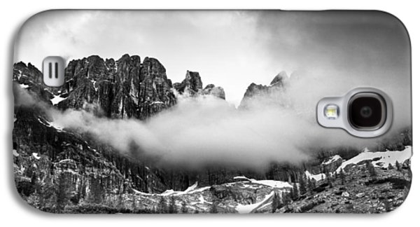 Clouds Galaxy S4 Cases - Spirits of the mountains Galaxy S4 Case by Yuri Santin