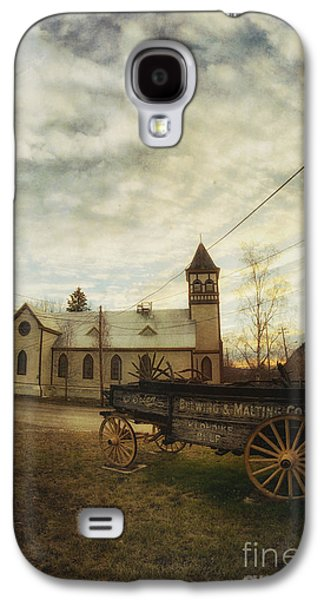 Wagon Photographs Galaxy S4 Cases - St. Pauls Anglican Church with Wagon  Galaxy S4 Case by Priska Wettstein