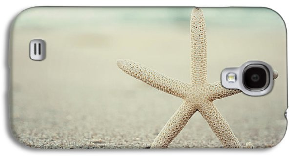 Seaside Heights Photographs Galaxy S4 Cases - Starfish on Beach Vintage Seaside New Jersey  Galaxy S4 Case by Terry DeLuco