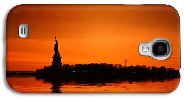 The New York New York Galaxy S4 Cases - Statue of Liberty at Sunset Galaxy S4 Case by John Farnan