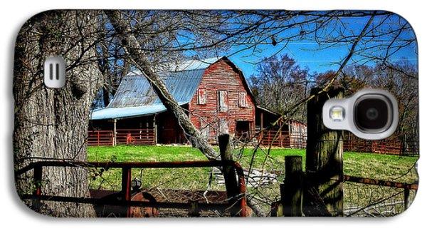 Old Fence Posts Galaxy S4 Cases - Still Useful Rustic Red Barn Oconee County Galaxy S4 Case by Reid Callaway
