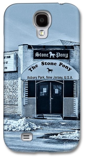 Bruce Springsteen Photographs Galaxy S4 Cases - Stone Pony Cool Blue Enter Here Galaxy S4 Case by Paul Ward