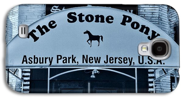 Bruce Springsteen Photographs Galaxy S4 Cases - Stone Pony Very Cool Galaxy S4 Case by Paul Ward