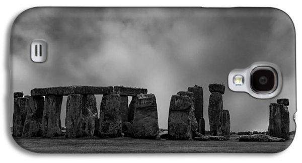 Landmarks Photographs Galaxy S4 Cases - Stonehenge Galaxy S4 Case by Martin Newman