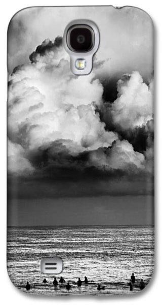 Storm Prints Photographs Galaxy S4 Cases - Storm brewing over Pipeline Galaxy S4 Case by Sean Davey