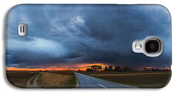 Landscapes Photographs Galaxy S4 Cases - Storm is coming Galaxy S4 Case by Davorin Mance
