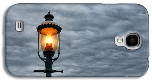 Streetlight Photographs Galaxy S4 Cases - Streetlight Galaxy S4 Case by Olivier Le Queinec