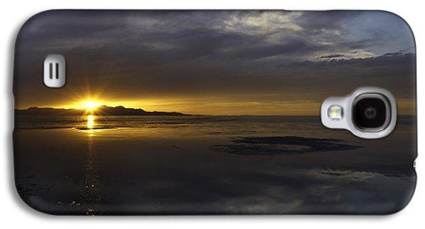 Sudden Glow Galaxy S4 Case by Chad Dutson