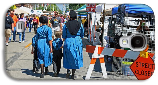 Amish Family Photographs Galaxy S4 Cases - Summer Festival in Berne Indiana II Galaxy S4 Case by Suzanne Gaff