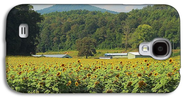 Sunflower Patch Galaxy S4 Cases - Sunflowers And Mountain View 2 Galaxy S4 Case by Cathy Lindsey