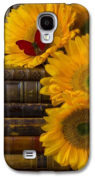 Concept Photographs Galaxy S4 Cases - Sunflowers and old books Galaxy S4 Case by Garry Gay