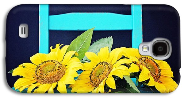 Chair Pyrography Galaxy S4 Cases - Sunflowers  Galaxy S4 Case by Heather Saulsbury