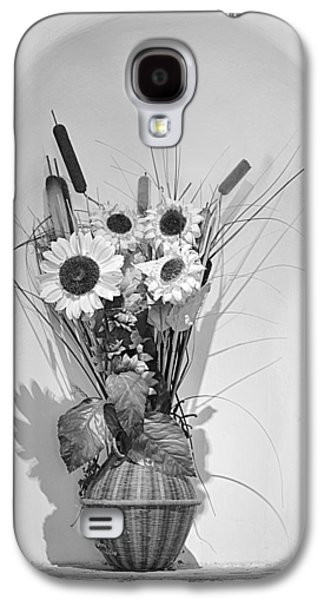 Cut Flowers Galaxy S4 Cases - Sunflowers in a basket Galaxy S4 Case by Christine Till