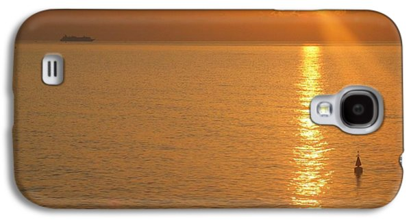Waterscape Galaxy S4 Cases - Sunrise at Sea Galaxy S4 Case by Photographic Arts And Design Studio