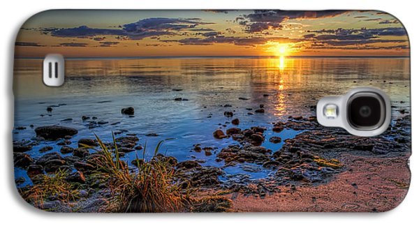 Sun Photographs Galaxy S4 Cases - Sunrise over Lake Michigan Galaxy S4 Case by Scott Norris