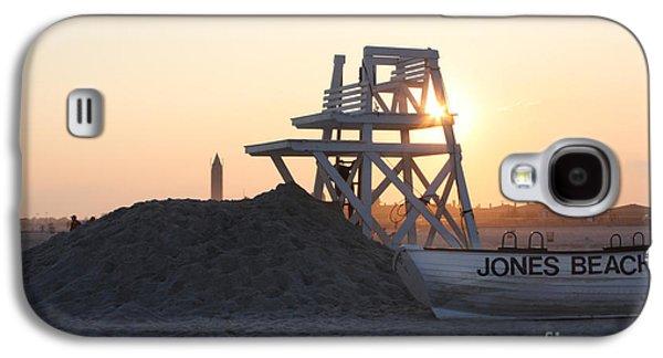 Sunset At Jones Beach Galaxy S4 Case by John Telfer