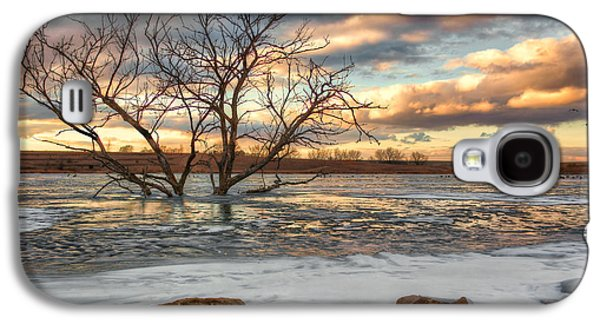 Evening Scenes Photographs Galaxy S4 Cases - Sunset at Walnut Lake Galaxy S4 Case by Nikolyn McDonald