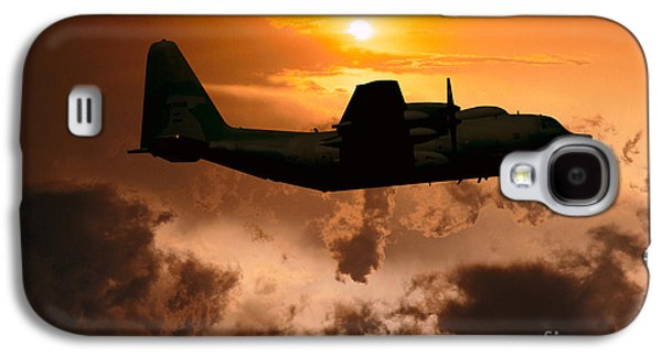 Fixed Wing Multi Engine Photographs Galaxy S4 Cases - Sunset Flight C-130 Galaxy S4 Case by Wernher Krutein