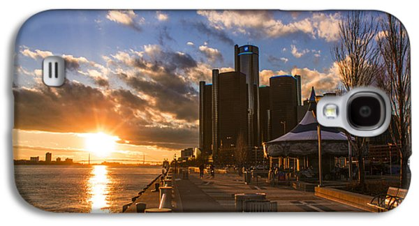 Renaissance Center Galaxy S4 Cases - Sunset in Detroit  Galaxy S4 Case by John McGraw