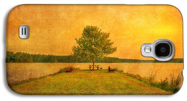 Artography Galaxy S4 Cases - Sunset Lake and Benches Galaxy S4 Case by Gregory W Leary