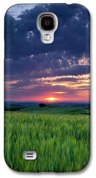 Sunset Over Wheat Field Near Pienza Galaxy S4 Case by Brian Jannsen