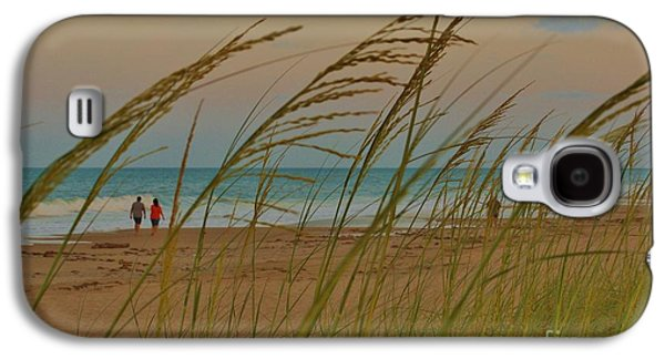 Sunset Stroll Galaxy S4 Case by Lynda Dawson-Youngclaus