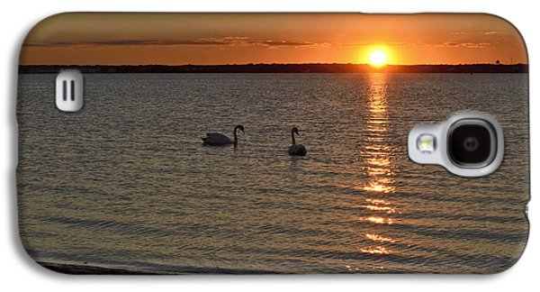 Landscapes Photographs Galaxy S4 Cases - Sunset Swim Galaxy S4 Case by Terry DeLuco