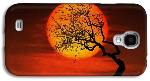 Vacation Digital Art Galaxy S4 Cases - Sunset tree Galaxy S4 Case by Bess Hamiti