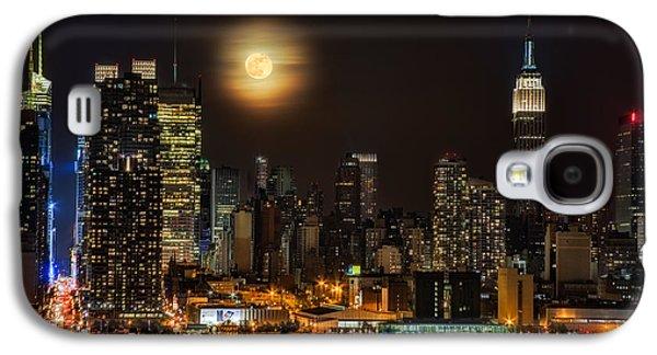 Susan Candelario Galaxy S4 Cases - Super Moon Over NYC Galaxy S4 Case by Susan Candelario