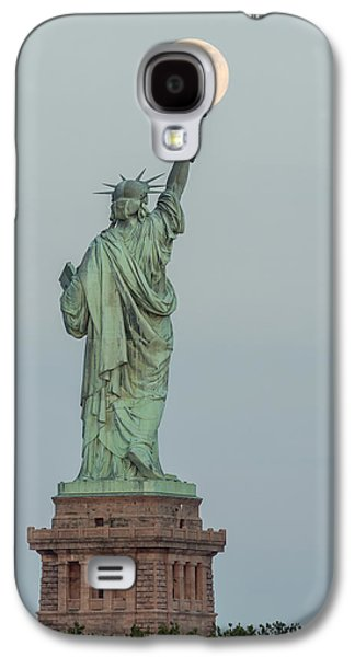 Freedom Galaxy S4 Cases - Super Moon Rises Over The Statue Of Liberty Galaxy S4 Case by Susan Candelario