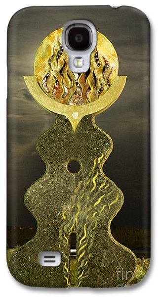 Supermoon Through The Sun Statue Galaxy S4 Case by Lynda Dawson-Youngclaus