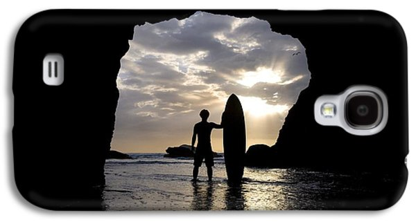 Reflections Of Sun In Water Galaxy S4 Cases - Surfer Inside A Cave At Muriwai New Galaxy S4 Case by Deddeda