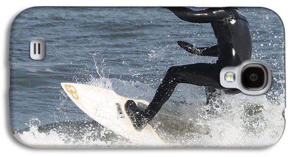 Sports Photographs Galaxy S4 Cases - Surfer on White Water Galaxy S4 Case by John Telfer