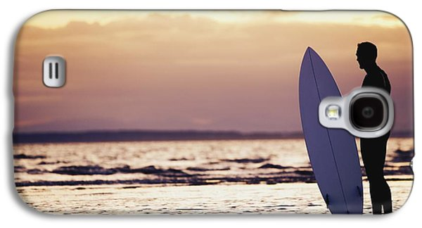 Surf Silhouette Galaxy S4 Cases - Surfer Silhouette Galaxy S4 Case by Daniel Sicolo