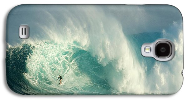 Athlete Photographs Galaxy S4 Cases - Surfing Jaws 3 Galaxy S4 Case by Bob Christopher