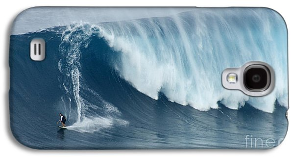 Athlete Photographs Galaxy S4 Cases - Surfing Jaws 5 Galaxy S4 Case by Bob Christopher