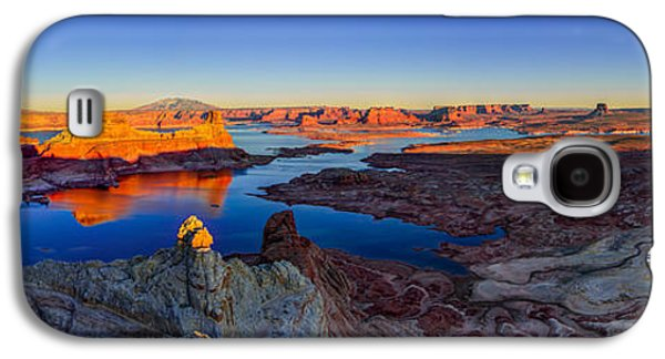 Glow Photographs Galaxy S4 Cases - Surreal Alstrom Galaxy S4 Case by Chad Dutson