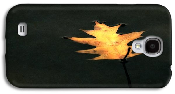 Autumn Leaf On Water Galaxy S4 Cases - Suspended Galaxy S4 Case by Michelle Calkins