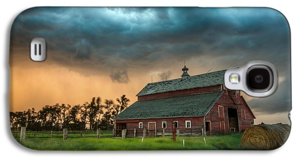 Wind Photographs Galaxy S4 Cases - Take Shelter Galaxy S4 Case by Aaron J Groen