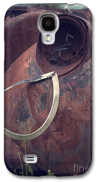 Rusted Cars Galaxy S4 Cases - Teardrop at the End of the Road Galaxy S4 Case by Edward Fielding