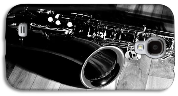 Saxophone Photographs Galaxy S4 Cases - Tenor Sax Galaxy S4 Case by Benjamin Yeager