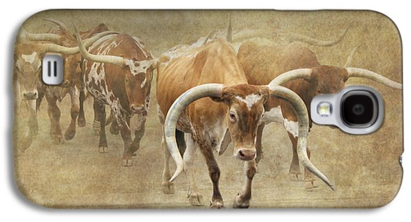 Cattle Drive Photographs Galaxy S4 Cases - Texas Longhorns 2 Galaxy S4 Case by Angie Vogel