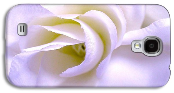 Fort Collins Galaxy S4 Cases - Textured White Flower 1 Galaxy S4 Case by Lora Louise