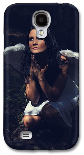 Posed Photographs Galaxy S4 Cases - The Angel Prayed Galaxy S4 Case by Laurie Search