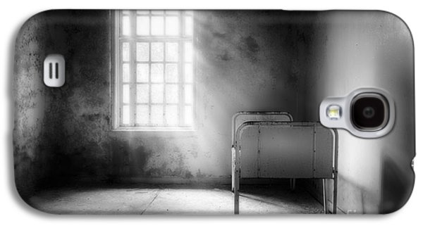 The Asylum Project - Empty Bed Galaxy S4 Case by Erik Brede