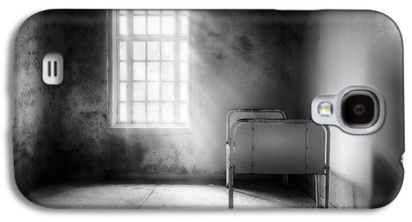 Creepy Galaxy S4 Cases - The Asylum Project - Empty Bed Galaxy S4 Case by Erik Brede