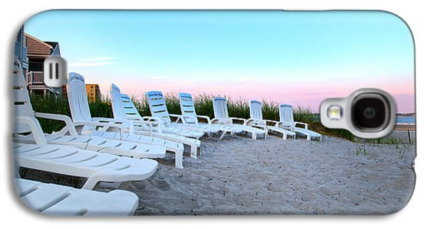 Old Maine Houses Galaxy S4 Cases - The Beach Chairs Galaxy S4 Case by Betsy A  Cutler